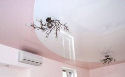 Удачная имитация двухуровневого натяжного потолка