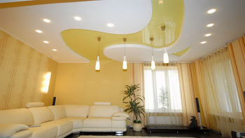 Однотонный натяжной потолок
