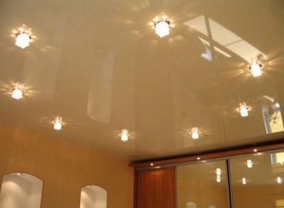 Глянцевый потолок с подсветкой от Люкс – Сервис