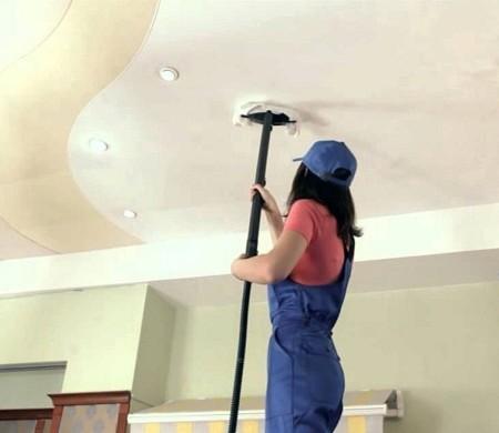 Уборка сатинового потолка