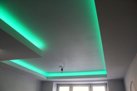 Двойной потолок со светодиодной лентой