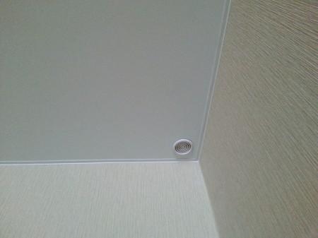 Вентиляция в углу помещения