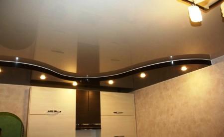 Сделать такой потолок из гипсокартона для кухни можно самостоятельно