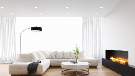 Натяжной потолок белого цвета в интерьере гостиной в светлых оттенках