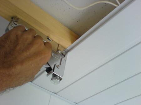 Крепление панелей при помощи степлера