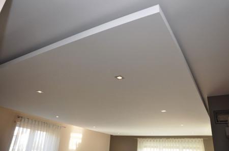 Зачастую хочется оригинальных дизайнерских решений потолка, которые с гордостью можно демонстрировать гостям