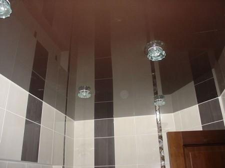 Блестящий ПВХ потолок