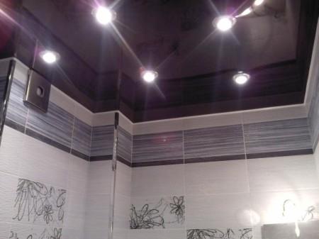 Потолок в ванной после ремонта