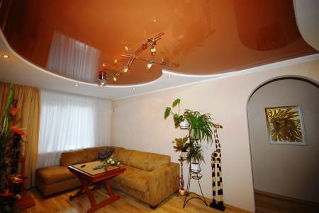 Оранжевый и белый – хороший вариант для гостиной или спальни