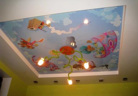 Оригинальная люстра является продолжением дизайна потолка – оригинальное решение
