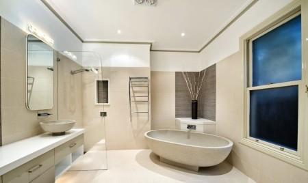 Ванная комната и традиционный подвесной потолок
