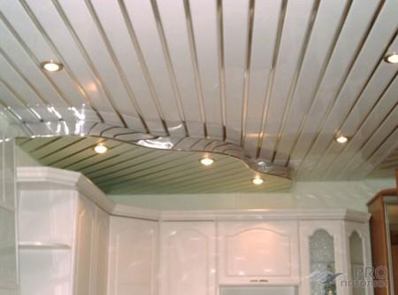 Фото готового реечного потолка