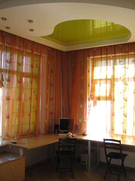 Рабочий уголок и потолок из гипсокартона