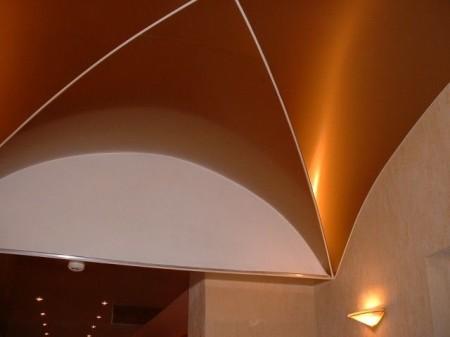 Фото потолка сделанного в форме арки