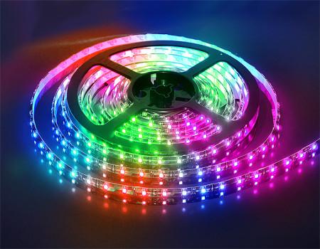Разноцветная подсветка для потолка