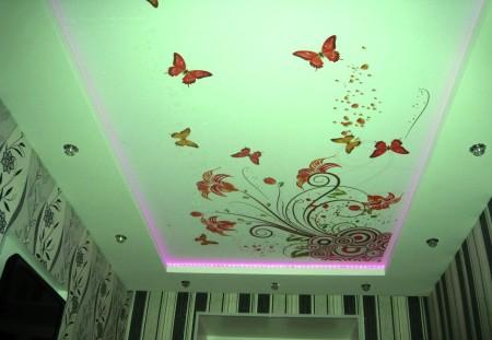 Нежное покрытие с красивой подсветкой – интересный дизайнерский вариант
