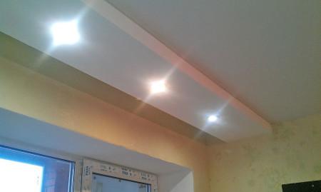 Карниз в интерьере на потолке из гипсокартона