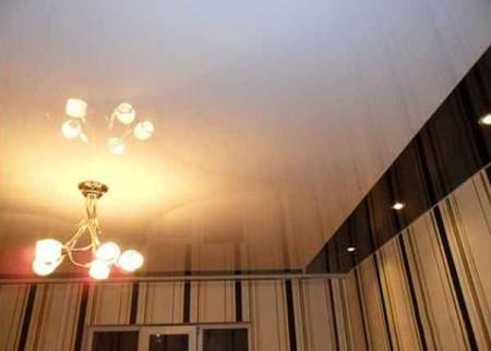 Обычный одноярусный потолок