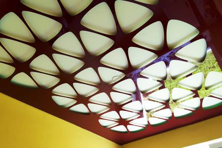 Перфорированный натяжной потолок из ПВХ – необычно и оригинально