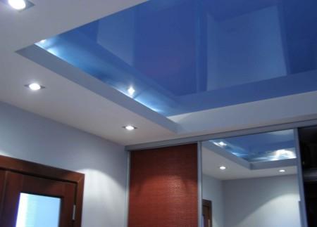 Конструкция многоуровневого потолочной поверхности из гипсокартона с оригинальным дизайном
