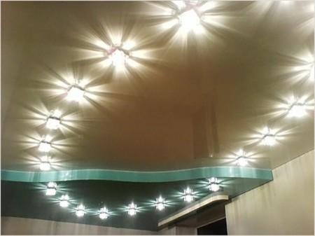 Освещение двухуровневых потолков светильниками