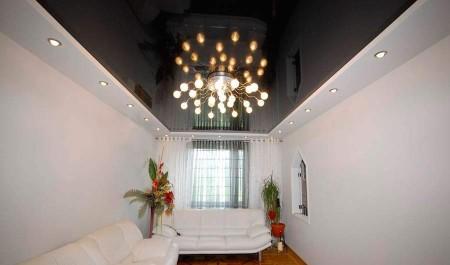 Оформление потолка в сдержанном стиле