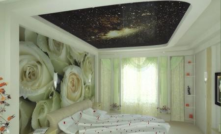 Красивый интерьер спальни, при осуществлении которого для нанесения картинки использовался метод фотопечати