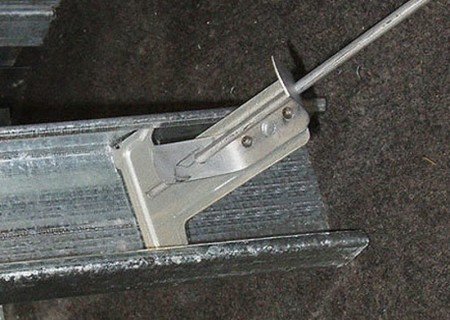 Регулируемые крепления на гипсокартонный потолок
