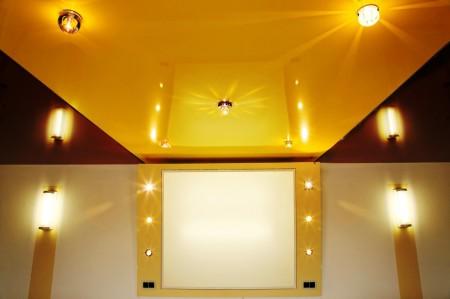 Цветной потолок для офиса или иных помещений. Желтый повышает работоспособность