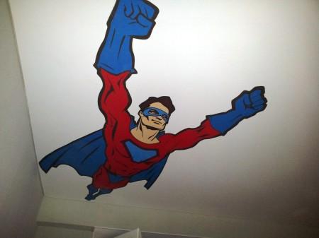 Герои из комиксов – хороший вариант дизайна для детской