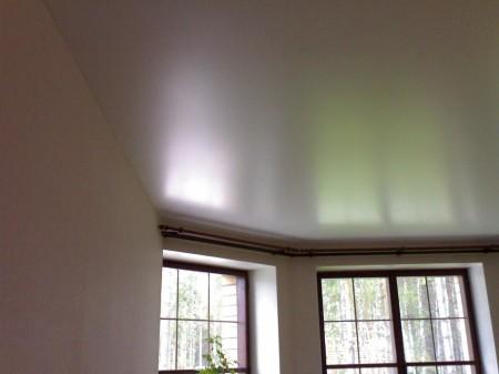 Натяжной потолок из сатина