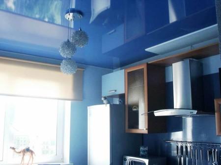 Синее блестящее полотно – интересная задумка и идея