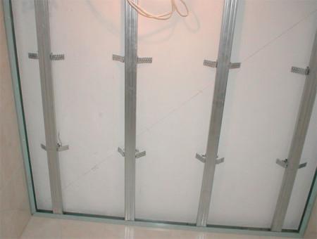 Как сделать монтаж подвесного потолка