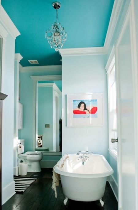 Фото использования люстры в ванной