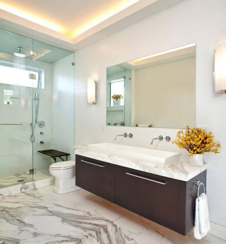 Фото организации подсветки с помощью светодиодной ленты в ванной