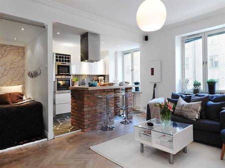 Как можно использовать многоуровневую поверхность для зонирования кухни, спальни и гостиной