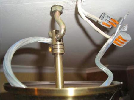 Фото крепления анкерного крюка в потолок ванной