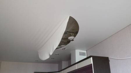 Ремонт тканевого потолка
