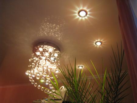 Люстра и светильники