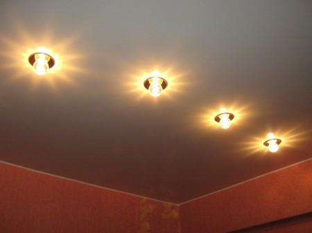 Фото одноуровневого потолка для кухни