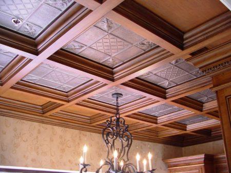 Потолок лакунарный из гипсокартона под дерево