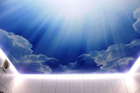 Освещение заставляет потолок парить