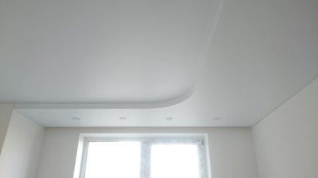 Выполнение многоуровневого потолка белого цвета