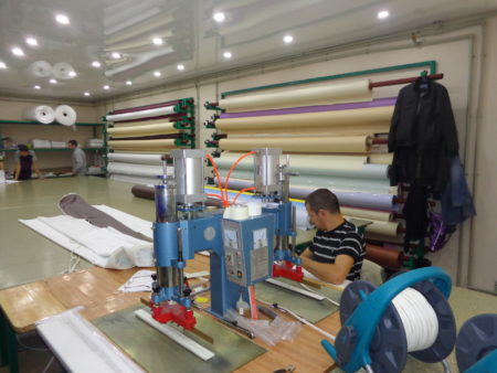 Изготовление виниловой пленки для потолка