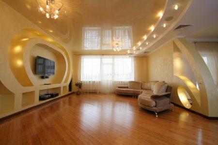 Дизайн перекрытия в гостиной