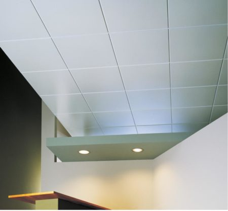 Потолочная плитка - привлекательно и просто