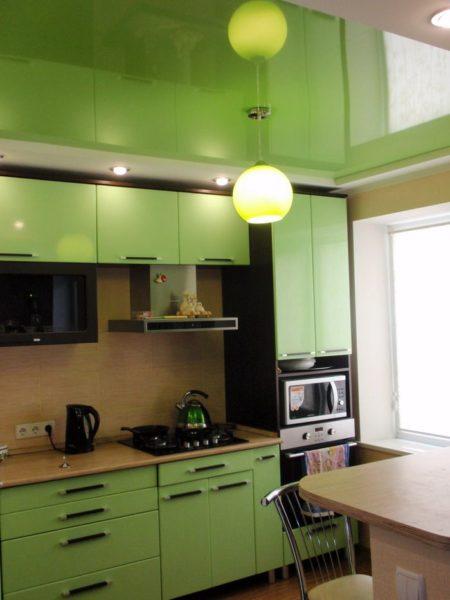 Удачный дизайн интерьера кухни