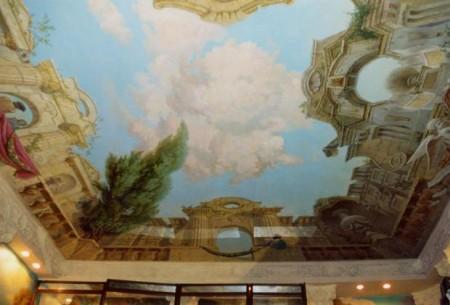Дизайнерская идея - использование на потолке картинного сюжета, фото