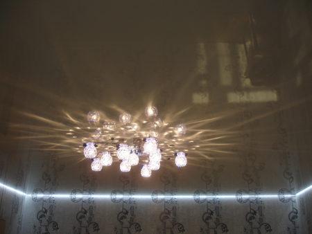 Интересный прием освещения комнаты