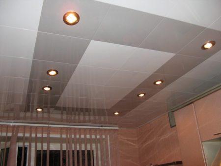Кассетные потолки на кухне
